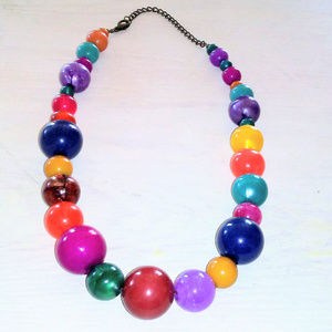 Jewelry - Colorful Vintage Lucite Beaded Necklace